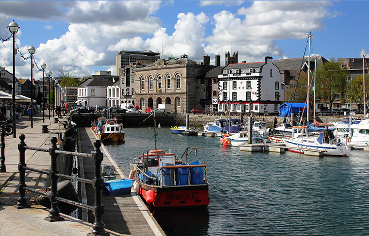 Barbican neighborhood along the shores of the Plymouth harbour